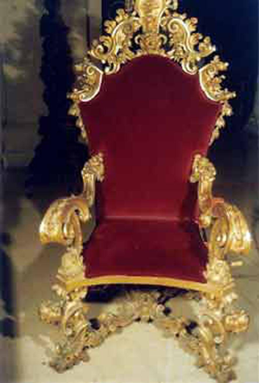 thronechairC