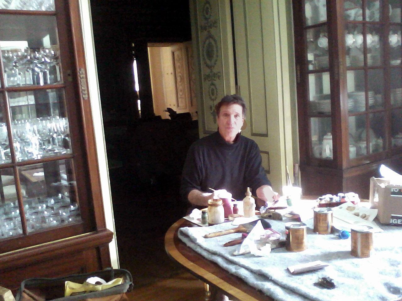 Replacing veneers on table